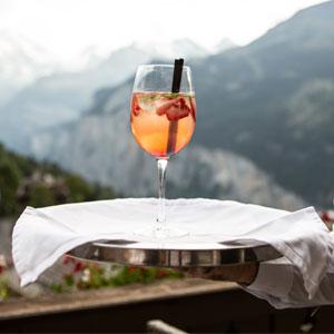 Cocktail sur un plateau