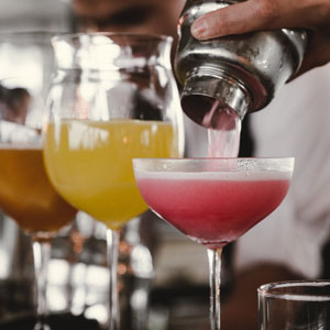 cocktails sur un bar