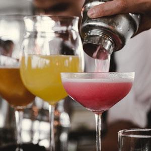 cocktails sur un bar